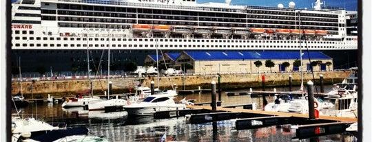 Porto de Vigo is one of Vigo.