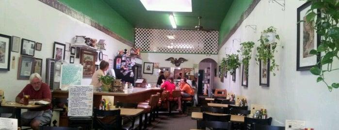Hilda's  Coffee Shop is one of Posti che sono piaciuti a William.