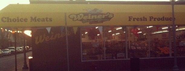 Weiner's Fresh-n-Green Market is one of Chicago.