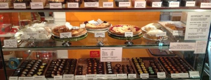 Haute Chocolate Cafe is one of Gespeicherte Orte von Cel.