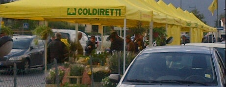 Mercato Coldiretti Lucca is one of World Gourmet Guide.