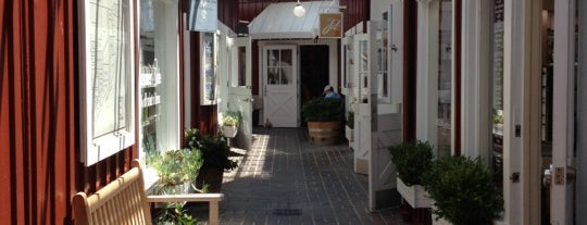 Brentwood Country Mart is one of Shopping in Los Angeles.