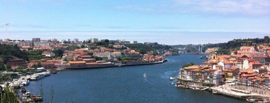 Miradouro do Teleférico de Gaia is one of Porto List.