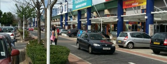 Crown Point Shopping Park is one of Victor 님이 좋아한 장소.