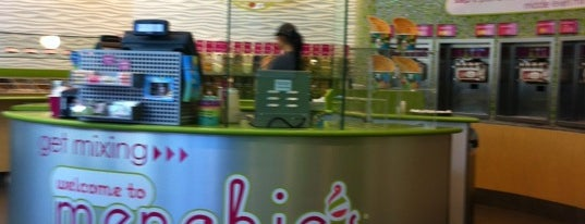 Menchie's is one of Drew 님이 좋아한 장소.