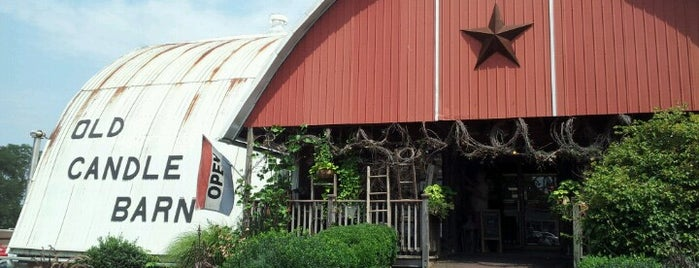 Old Candle Barn is one of Lizzie 님이 저장한 장소.