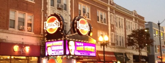 Laugh Factory is one of Orte, die Dustin gefallen.
