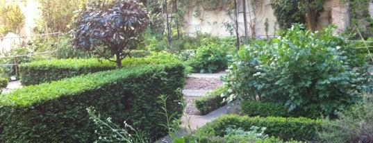 Jardin du Clos des Blancs Manteaux is one of Paris - To Do.
