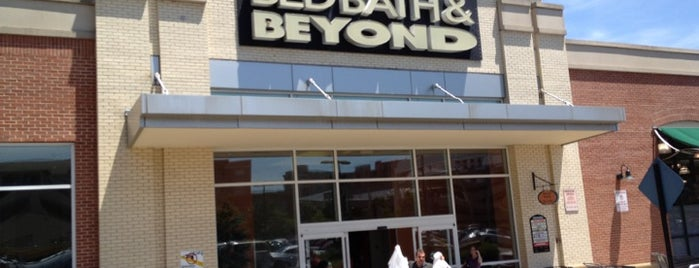 Bed Bath & Beyond is one of Lugares favoritos de Bryan.