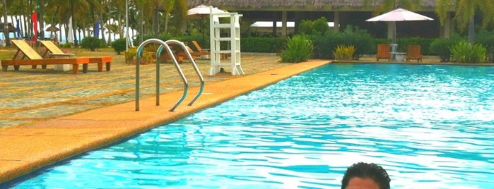 Bohol Beach Club - Amihan Poolside is one of สถานที่ที่ Chuck ถูกใจ.