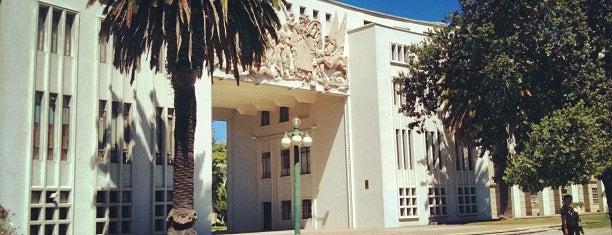 Universidad de Concepción is one of Lugares favoritos de Oliver.
