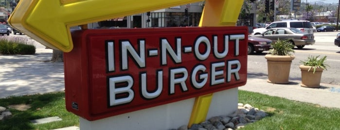 In-N-Out Burger is one of Lugares favoritos de Jonathan.