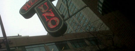 Uno Pizzeria & Grill - Chicago is one of #visitUS Chicago Tourist Must Check-into.