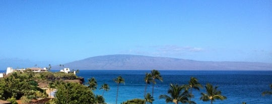 Royal Lahaina Resort is one of Posti che sono piaciuti a Sam.