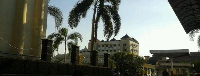 Satuan Reserse dan Kriminal is one of Characteristic of Surabaya.