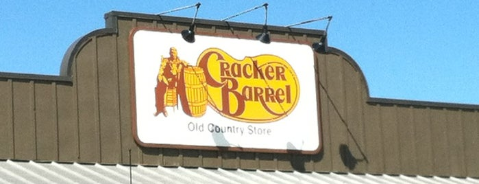 Cracker Barrel Old Country Store is one of สถานที่ที่ Stacia ถูกใจ.