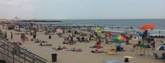 Rockaway Beach - 98th Street is one of Michael 님이 좋아한 장소.