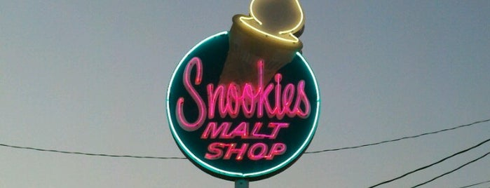 Snookies Malt Shop is one of Des Moines.