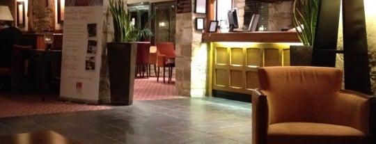 Voco Oxford Thames Hotel is one of Tempat yang Disukai Catherine.