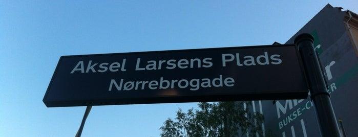 Aksel Larsens Plads is one of Plaza-sightseeing i København.