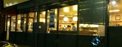 Waffle House is one of B David 님이 좋아한 장소.