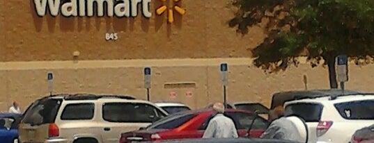 Walmart is one of Orte, die Bayana gefallen.