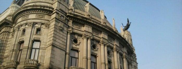 Centro Cultural Novacaixagalicia is one of Lugares favoritos de Jake.