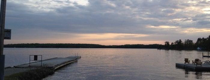 Lake Rosseau is one of สถานที่ที่ Ann ถูกใจ.