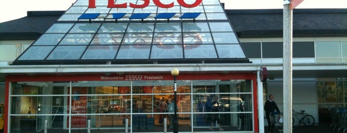 Tesco is one of Locais curtidos por Giannicola.