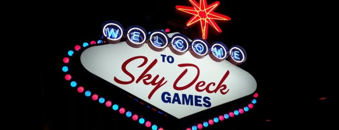 Sky Deck Sports Grille And Lanes is one of Tempat yang Disukai Candace.