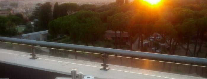 La Terrasse Cuisine & Lounge at Sofitel Rome is one of Bons plans Rome.