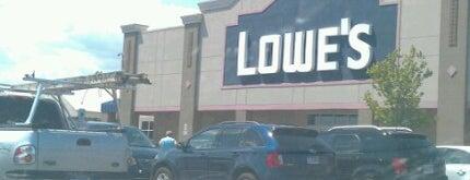 Lowe's is one of Orte, die Paula gefallen.