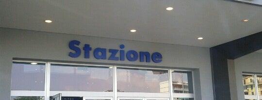 Stazione Savona is one of Orte, die Dade gefallen.
