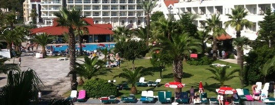 Club Pineta Hotel is one of Orte, die Lera gefallen.