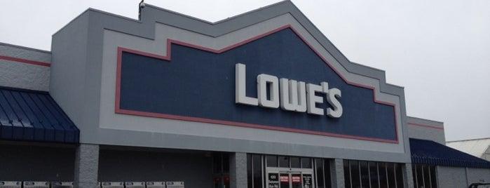 Lowe's is one of Gespeicherte Orte von Dan.