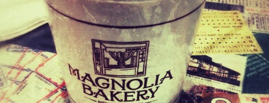 Magnolia Bakery is one of Locais curtidos por Karen.