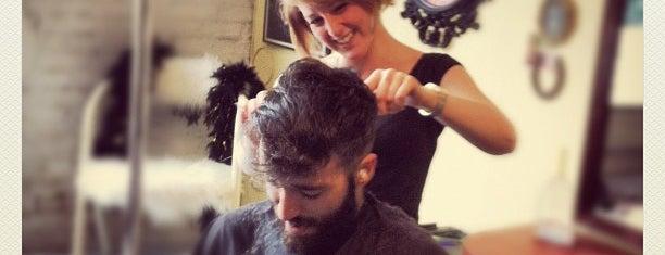 Tomahawk Salon is one of Rachel'in Beğendiği Mekanlar.
