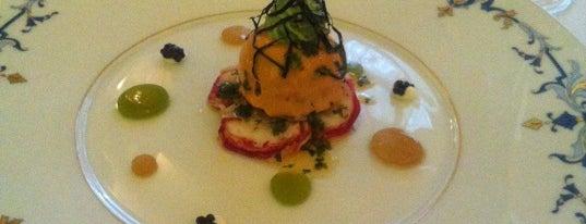 L'Espadon is one of PARIS I Eat under the STARS.