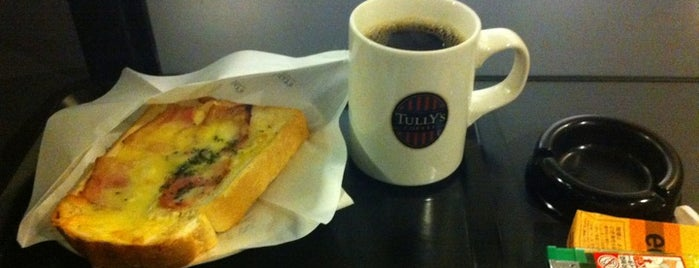 TULLY'S COFFEE 渋谷東急プラザ店 is one of 電源.