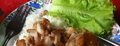 JehJong Fried Pork is one of Locais salvos de Chaimongkol.