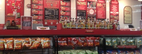 Firehouse Subs is one of Lieux qui ont plu à Cindi.