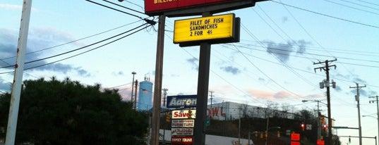 McDonald's is one of Lieux qui ont plu à Beth.