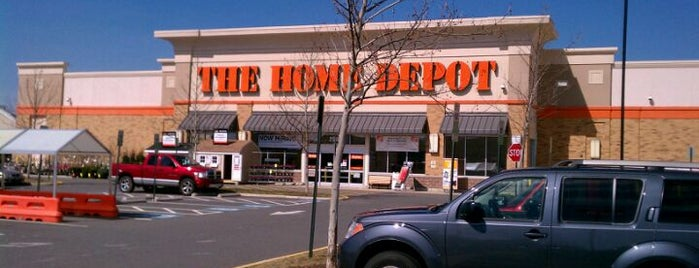 The Home Depot is one of Posti che sono piaciuti a Youssef.