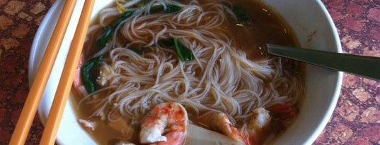 Newton Meng Kee Prawn Noodle House is one of le 4sq with Donald :].