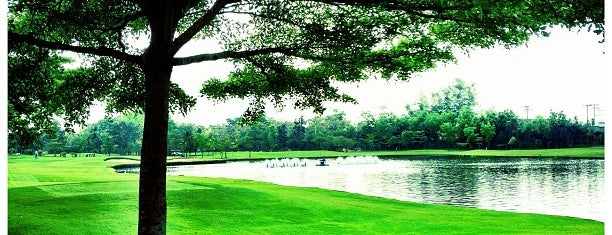 Green Valley Country Club is one of Lieux qui ont plu à Pravit.
