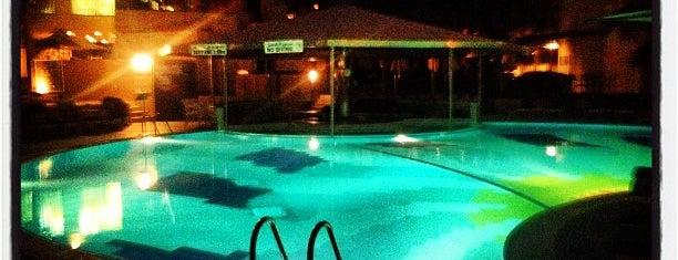 Le Méridien Swimming Pool is one of Posti che sono piaciuti a Boban.