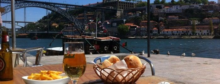 Café do Cais is one of Porto.