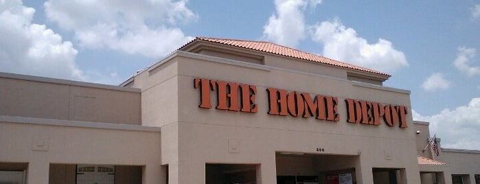 The Home Depot is one of Posti che sono piaciuti a KATIE.