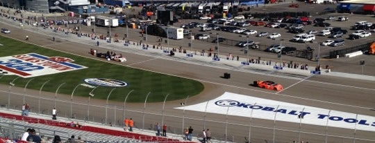 Las Vegas Motor Speedway is one of Lugares favoritos de Alan.