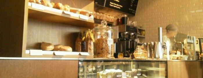 PURE CAFE is one of おいしいパンケーキ&ホットケーキ屋さん.
